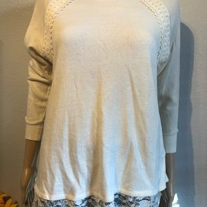 Red Camel blouse  long  sleeve detail back size M